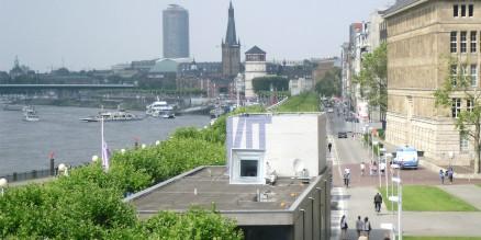 KIT am Rheinufer